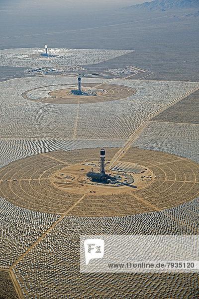 Brightsource Ivanpah Solar Electric Generating System  Sonnenwärmekraftwerk zur Stromerzeugung