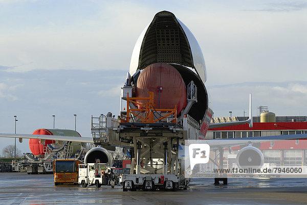 Transportflugzeug Airbus A300-600ST Super Transporter  auch Beluga genannt