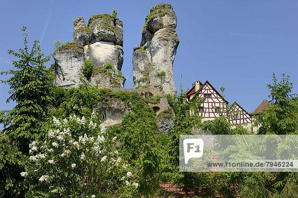 Felsbrocken Gebäude Turm Karst