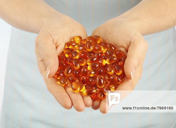 Kapsel  Kapseln  Vitamin  handvoll  Öl