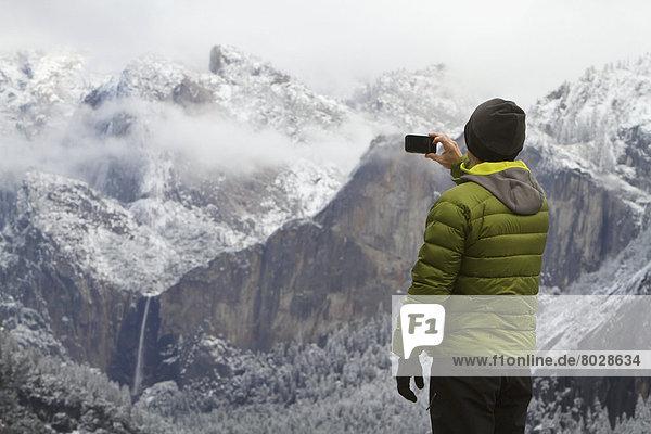 Mann  Amerika  Fotografie  nehmen  Braut  grün  Tal  Jacke  Kleidung  Verbindung  Yosemite Nationalpark  Kalifornien