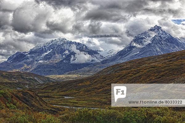 entfernt  Berg  Berggipfel  Gipfel  Spitze  Spitzen  3