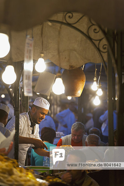 Blumenmarkt  geben  Lebensmittel  Quadrat  Quadrate  quadratisch  quadratisches  quadratischer  Koch  Marrakesch  Marokko