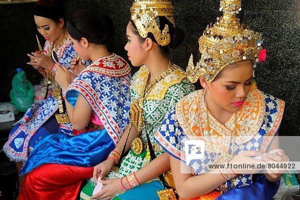 Bangkok  Hauptstadt  Frau  Kleidung  Tänzer  Religion  Kostüm - Faschingskostüm  Hinduismus  Insignie  thailändisch  Thailand