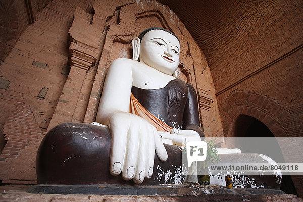 Sculpture of Buddha in pagoda  Bagan  Burma/Myanmar