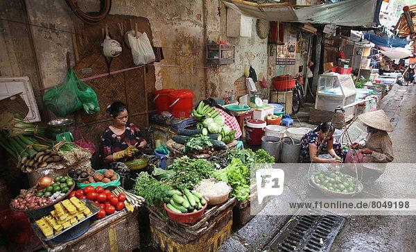 Street market  Hanoi  Vietnam