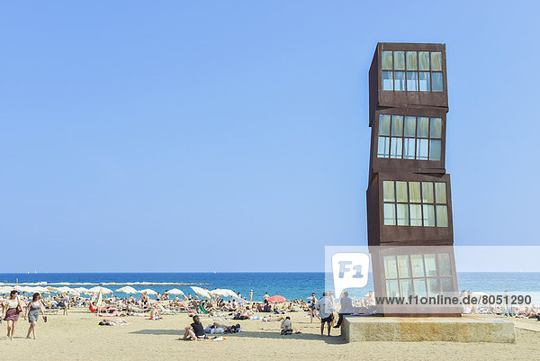 Mensch  Menschen  Strand  sonnenbaden  sonnen  Ansicht  Barcelona  Spanien