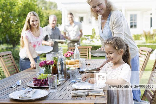 Familientisch im Freien