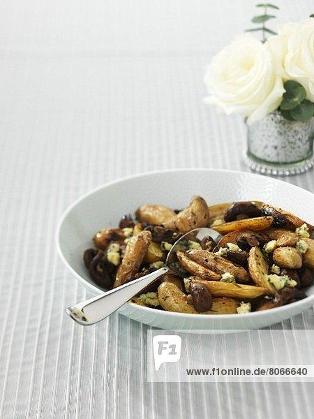 Fingerlingkartoffeln mit Stilton und Pilzen