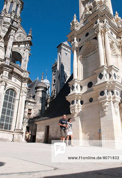 zwischen  inmitten  mitten  Laubwald  Frankreich  Europa  gehen  verwöhnen  Industrie  Erde  Tourist  Natur  herzförmig  Herz  öffentlicher Ort  bauen  UNESCO-Welterbe  Erbe