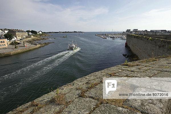 Hafen Wand Stadt Boot angeln verlassen