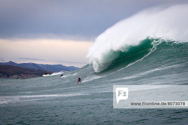 Kitesurfer  Winter  nehmen  Vielfalt  groß  großes  großer  große  großen  Herausforderung  Fotograf  Wettbewerb  Fotografie  Erfolg  Jahreszeit  Show  Brandung  Wellenreiten  surfen  Wasserwelle  Welle