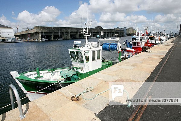 Saint-Nazaire Basin (44): fishing boats in the harbour.