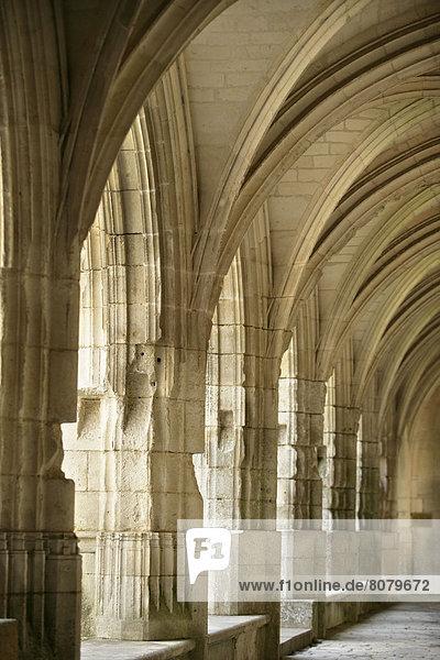 Kreuzgang  Kathedrale  Torbogen  Jahrhundert