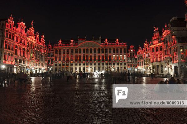 Grote Markt  Grand Place market square  illuminated at night
