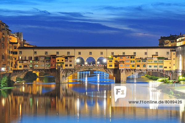 Ponte Vecchio in der Abenddämmerung