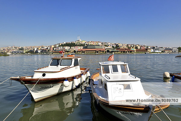 Aussicht von Eyüp über Goldenes Horn auf den Stadtteil Sültüce