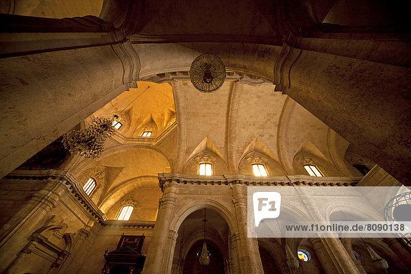 Innenraum der Kathedrale San Cristobal