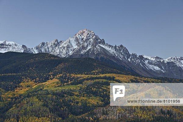 Vereinigte Staaten von Amerika  USA  Staub wischen  staubwischen  Beleuchtung  Licht  Nordamerika  Berg  Mount Sneffels  Colorado  Schnee