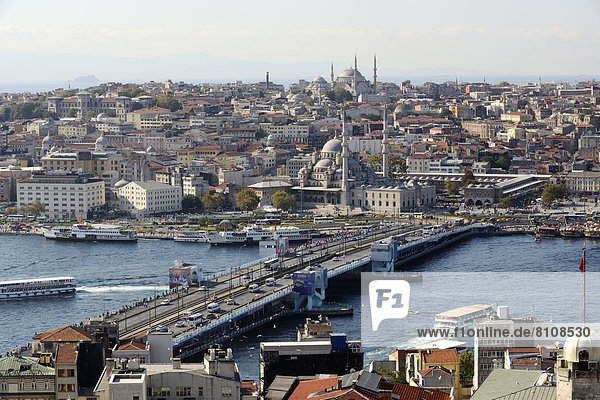 Türkei  Istanbul  Blick auf die Galata-Brücke