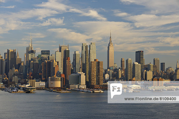 USA  New York State  New York City  Ansicht von Manhattan mit Hudson River