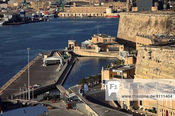 Valletta  Hauptstadt  Ufer  Grand Harbour  Malta
