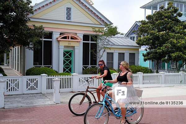 Frau Freundschaft Gebäude Küste Fahrrad Rad Florida Residenz