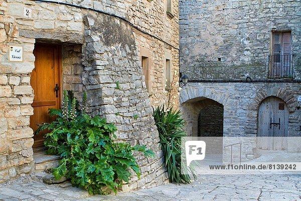 Mittelalter klein Dorf befestigen Spanien