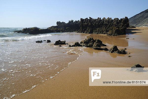 Felsen am Strand  an der Atlantiküste