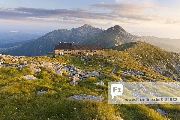 Berghütte Rifugio Coda am Wanderweg Alta Via delle Alpi Biellesi Berghütte Rifugio Coda am Wanderweg Alta Via delle Alpi Biellesi