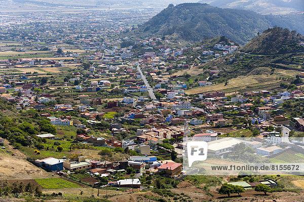 Spanien  Blick auf das Dorf in der Nähe der Anaga-Berge