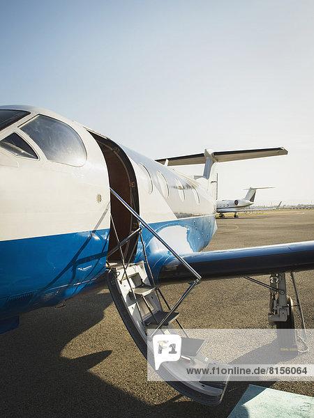 Flugzeug  Rollbahn  gemahlen Flugzeug ,Rollbahn ,gemahlen