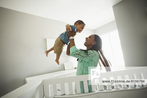 Spiel  Junge - Person  Mutter - Mensch  Baby