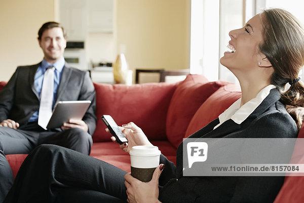 Zusammenhalt  Mensch  Entspannung  Couch  Menschen  Business