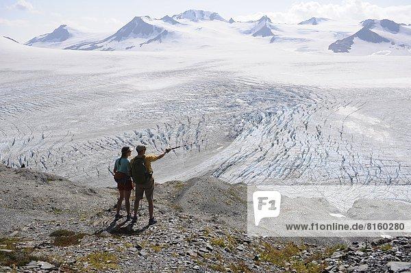 nahe  folgen  Rucksackurlaub  wandern  Fjord  Harding Icefield  Eisfeld  Kenai-Fjords-Nationalpark  Alaska