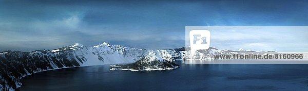 Kratersee im Winter