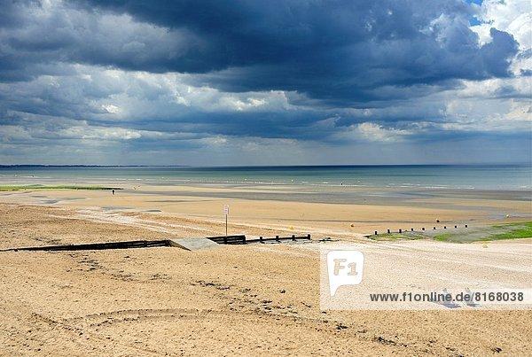 Frankreich  Calvados  Atlantischer Ozean  Atlantik  Normandie  Sandstrand