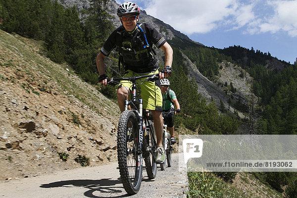 Mountainbiker im Valle Alpisella