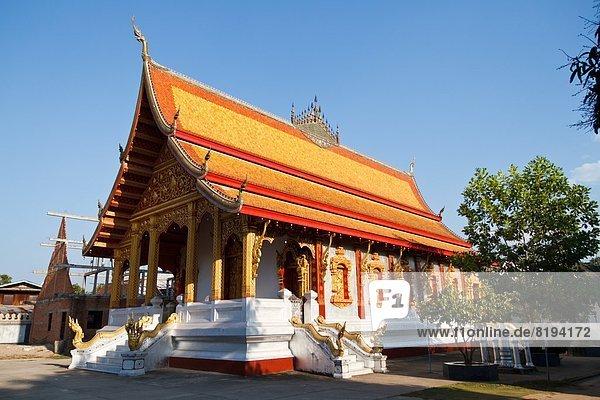 Dach des Tempels Vat Nong Sikhounmuang  Luang Prabang  Laos  Asien