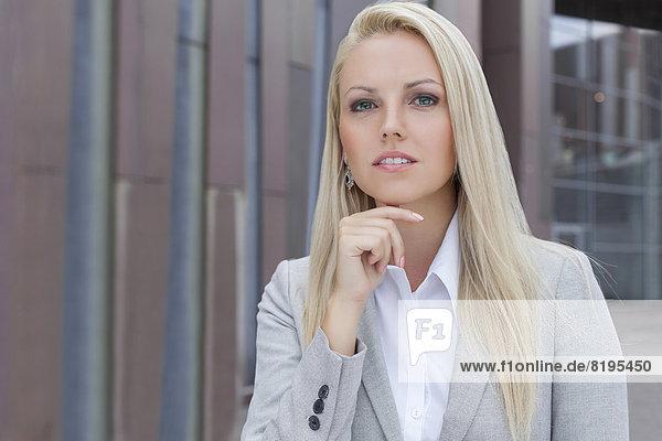 Geschäftsfrau  sehen  Gebäude  Büro  wegsehen  Reise  Hoffnung