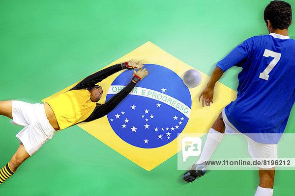Treffer treffen Ziel Spiel frontal Fahne Fußball brasilianisch