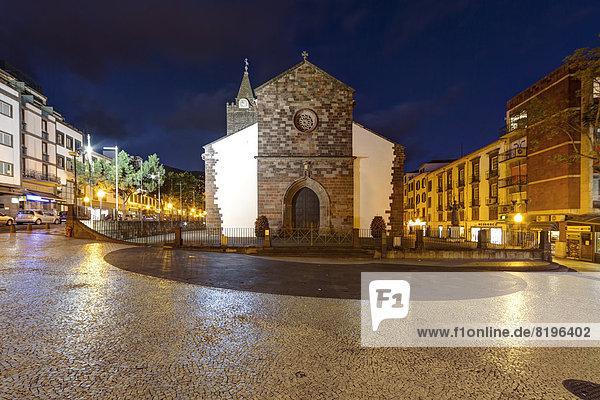 Portugal  Funchal  Blick auf die Kathedrale von Se bei Nacht