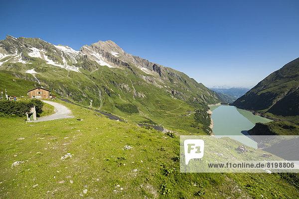 Österreich  Mooserboden mit Wasserfallboden und Gipfel Kitzsteinhorn