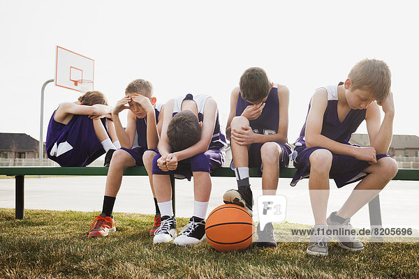 Teamwork  Europäer  Basketball  Gericht  schmollen