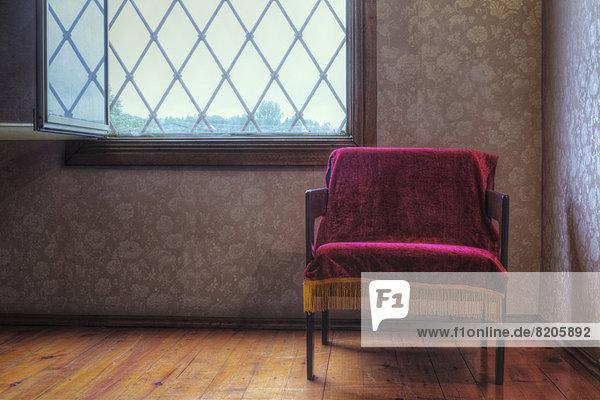 leer  werfen  Stuhl  Samt