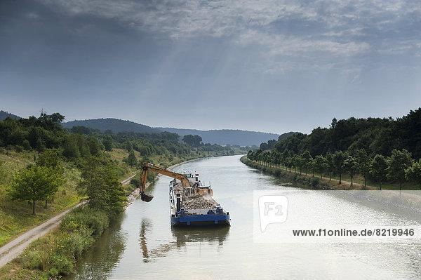 Baggerschiff auf dem Main-Donau-Kanal
