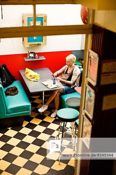 Frau Kurznachricht Restaurant Nachricht
