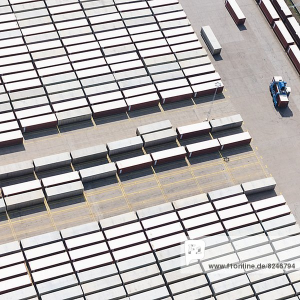 Fischereihafen  Fischerhafen  hoch  oben  Behälter  Ansicht  Flachwinkelansicht  Ladung  Winkel
