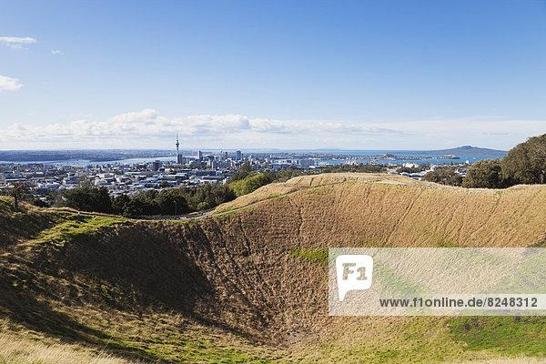 Neuseeland  Auckland Skyline vom Mount Eden aus gesehen