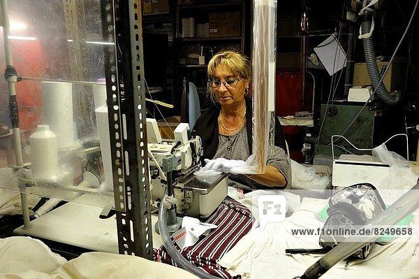 Frankreich  Europa  Reichtum  Fabrikgebäude  Seide  Lagerung